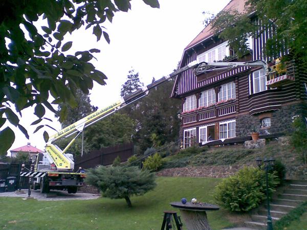 Opravy fasád a římsování oken