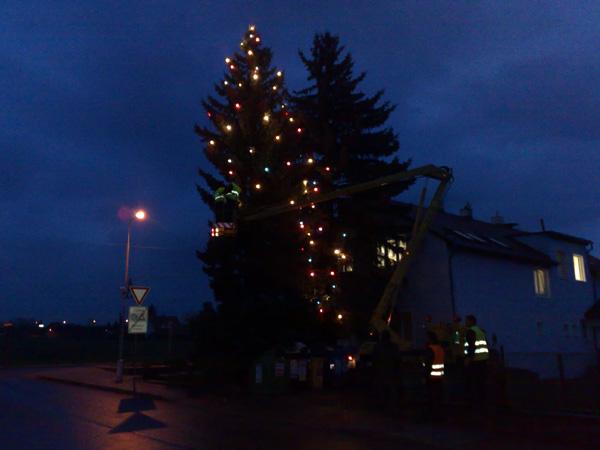 Vánoční výzdoby a osvětlení